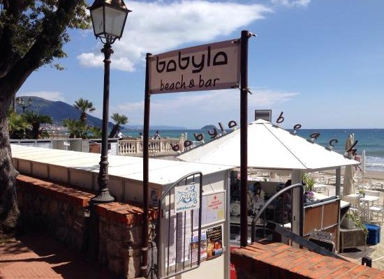 babyla beach bar