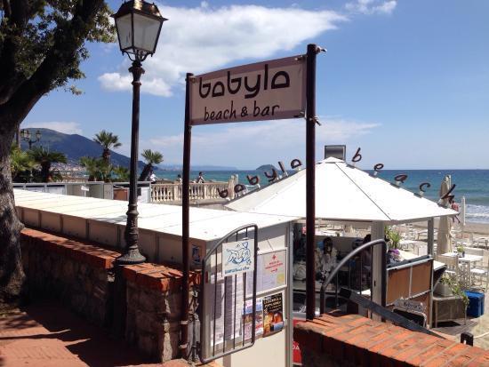 babyla beach bar