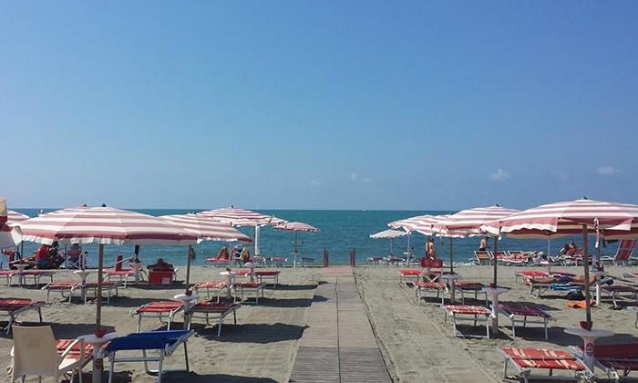 la goletta beach