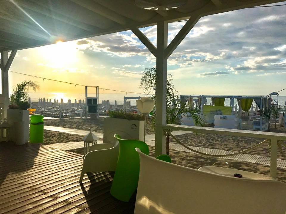 bahia lounge beach
